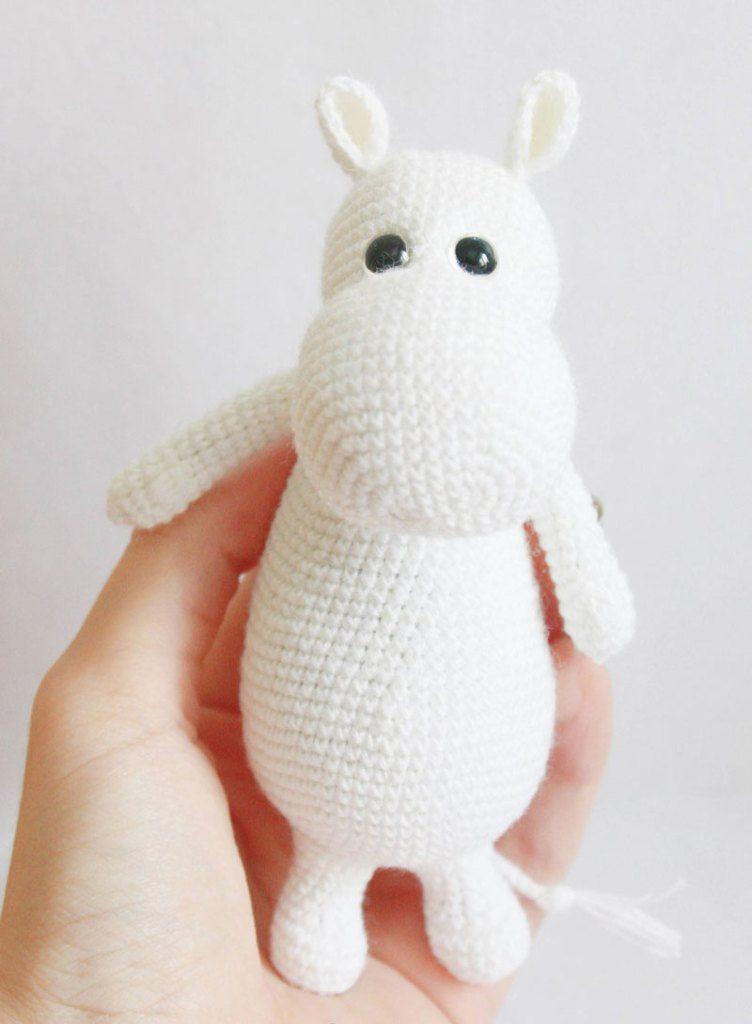 Patron Amigurumi Crochet : Moomin (l\'Hippopotame ) – Made by Amy